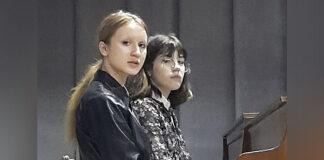 Анфіса Куликова і Єва Захарова